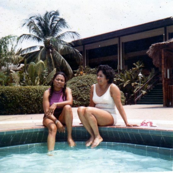 Ma and Tia Nina in Ja096